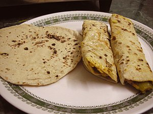 Indian bread - Image: Chapatiroll