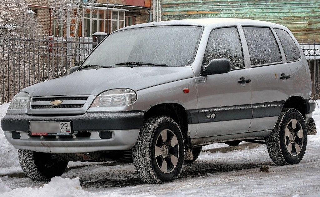 [Présentation] Le design Par Lada/VAZ 1024px-Chevrolet_Niva_Silver