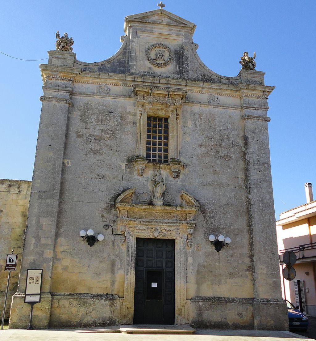 https://upload.wikimedia.org/wikipedia/commons/thumb/9/98/Chiesa_dell%27Immacolata_di_Castrignano_de%27_Greci.jpg/1024px-Chiesa_dell%27Immacolata_di_Castrignano_de%27_Greci.jpg