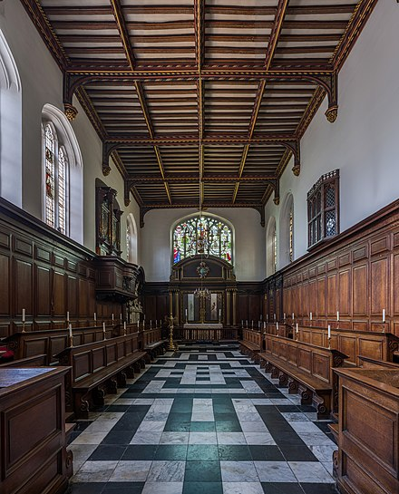 The chapel, with a viewing window from the Master's Lodge Christ's College Chapel, Cambridge, UK - Diliff.jpg