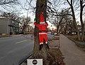 Christmas Treehugger (39272091771).jpg