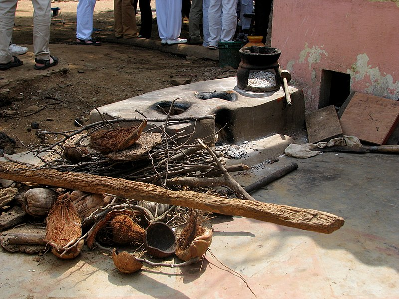 File:Chulla cookstove tamil nadu india.jpg