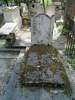 Claude henri rouvroy Saint simon grave.jpg