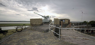 Coalhouse Fort - Bofors 40 mm anti-aircraft gun on the roof of Coalhouse Fort