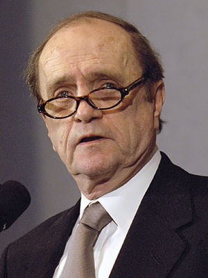 Bob Newhart (seen here in 2002) won the Grammy for his work as a comedian. The same year he also won the Album of the Year award. Comedian Bob Newhart.jpg