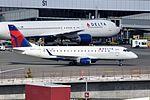 Compass Airlines, Embraer ERJ-175, N613CZ - SEA (20701081655).jpg