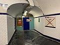 Couloirs Station Métro Porte Lilas Paris 2.jpg