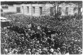 Crowd to hear Suffragettes, Oct. 28, 1908 LCCN2001704189.tif
