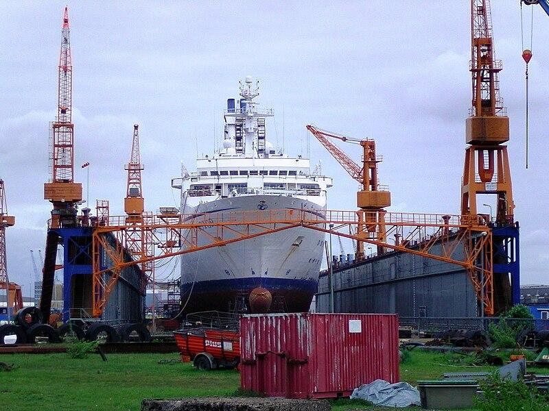 File:Cruise ship Astor docked 1.jpg
