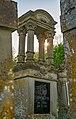 Dörzbach - Hohebach - Jüdischer Friedhof - Grabmal J. L. Dangel mit Gegenlicht.jpg
