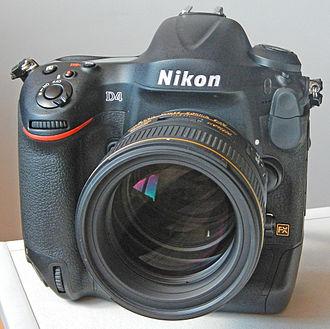 Nikon D4 - Image: D4 85 1.4