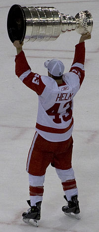 Darren Helm with Stanley Cup Cropped.jpg