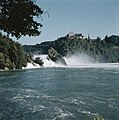 De waterval bij Schaffhausen met rechts Schloss Laufen, Bestanddeelnr 254-6017.jpg
