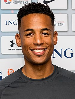 Dennis Aogo - Champions for Charity (cropped).jpg