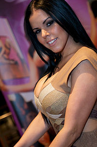 Diamond Kitty at AVN Adult Entertainment Expo 2012 1.jpg