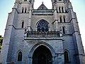 Dijon Cathédrale St. Bénigne Fassade 4.jpg