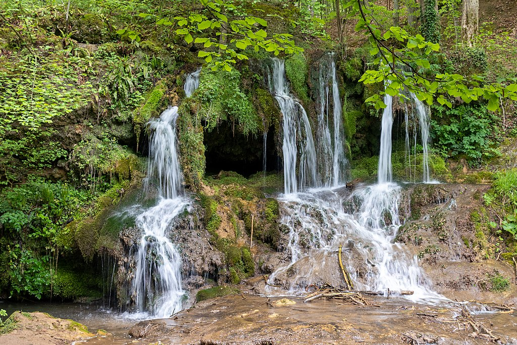 Dokuzak Waterfall 012