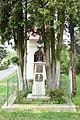 Dolní-Bukovina-kříž-před-kaplí2019.jpg