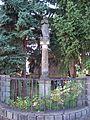 Dolní Počernice, Podkrkonošská 457, mariánský sloup (01).jpg
