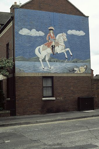 Loyalist mural in Donegall Pass, south Belfast, 1984 Donegall Pass 1984.jpg