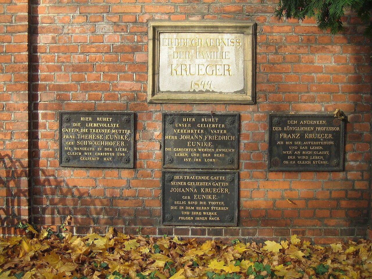 1280px-Dorotheenst_Friedhof_Krueger.jpg