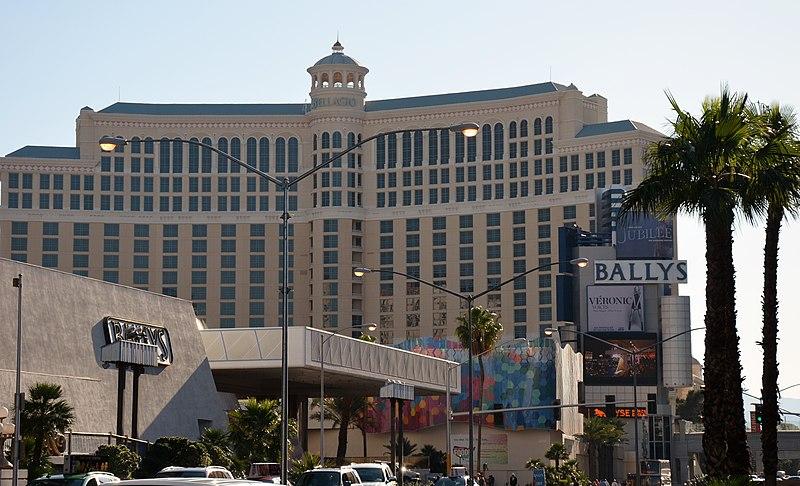 File:Downtown, Las Vegas, NV, USA - panoramio (5).jpg