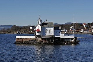 Dyna fyr (Dyna Lighthouse), Oslo, Norway.jpg