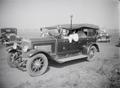 ETH-BIB-König von Kano in einem Auto-Tschadseeflug 1930-31-LBS MH02-08-0729.tif