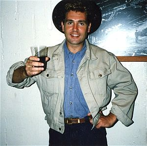 Les Pattinson - Les Pattinson in September 1987 backstage at the Greek Theatre – Berkeley, California