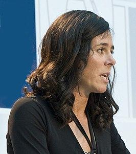 Edurne Pasaban recibe el Premio Vasco Universal 2010 4 (colheita) .jpg