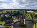Egeskov Castle (28103028186).jpg