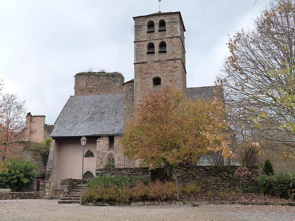 Eglise et clocher (Calmont).JPG