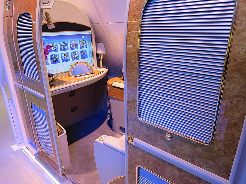 File:Emirates A380 First Class Suite ITB 2017 (1).JPG