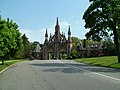 Entrance gate to Green-Wood Cemetery.jpg