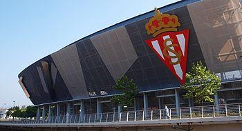 Aspecto exterior de la remodelación del estadio El Molinón en su grada  norte. 66ee1c3317a3d