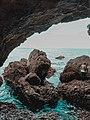 Estuário do Sado visto do interior de uma gruta.jpg