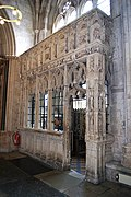 Exeter Cathedral (St. Peter) (15207621029).jpg