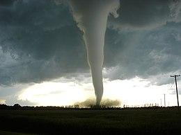 F5 tornado Elie Manitoba 2007.jpg