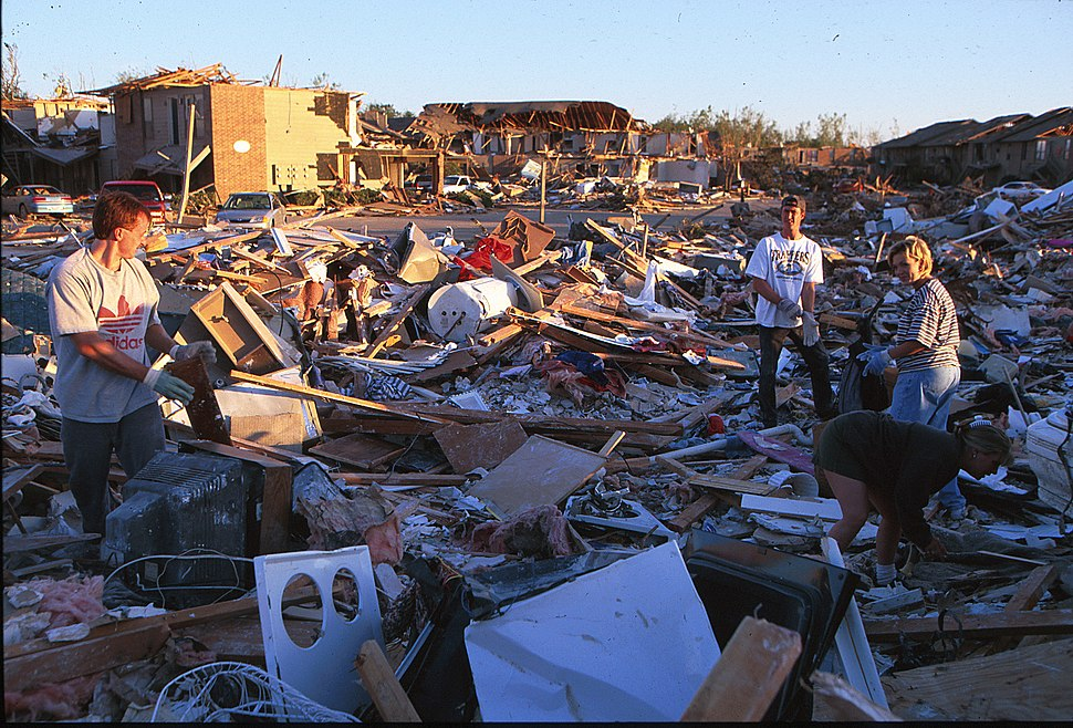 FEMA - 3822 - Photograph by Andrea Booher taken on 05-01-1999 in Oklahoma