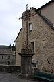 FR48 Le Bleymard Place de l'église Croix 00.JPG