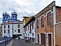 Fachadas da Rua Pero de Barcelos com a Igreja da Misericórdia em fundo.jpg