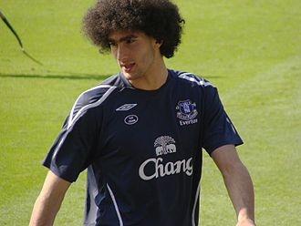 Fellaini warming up before a match against Fulham in 2009 Fellaini, Everton FC.jpg