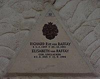 Feuerhalle Simmering - Arkadenhof (Abteilung ARI) - Familie von Raffay, Grab 1 - image 02.jpg
