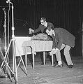 Fluxus-groep gaf Pop-art concert in Kurhaus, een van de bezoekers schoot met een, Bestanddeelnr 917-1243.jpg