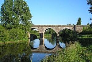 Pont de Gourfaleur, sur la Vire, séparant Baudre de Gourfaleur et Saint-Lô.