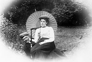 Frances Hodgkins - Frances Hodgkins with her brother-in-law, William Field