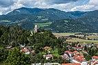 Friesach nordwestlicher Stadtteil mit Burg Geiersberg 04092017 0655.jpg