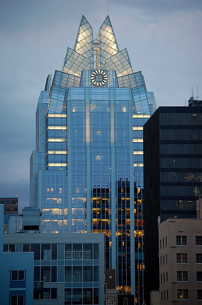 پرونده:FrostBankTower-Jul2010-a.JPG