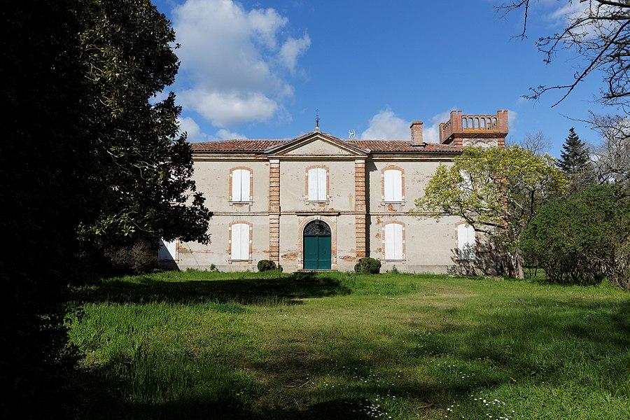 Frouzins (Haute-Garonne, France) - Château des Demoiselles.