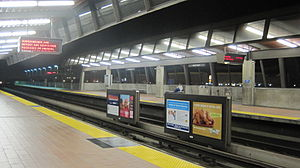 The Fruitvale BART station platform.